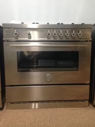 Brand: Bertazzoni, Model: X365GGVBL, Fuel Type: Stainless Steel, LP Gas