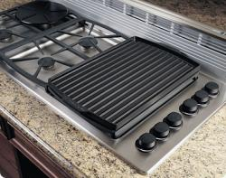 Brand: Dacor, Model: AEGR30, Style: Cast Aluminum Searing Grill