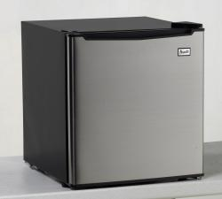 Brand: Avanti, Model: RM1722PS, Color: Platinum with Black Cabinet