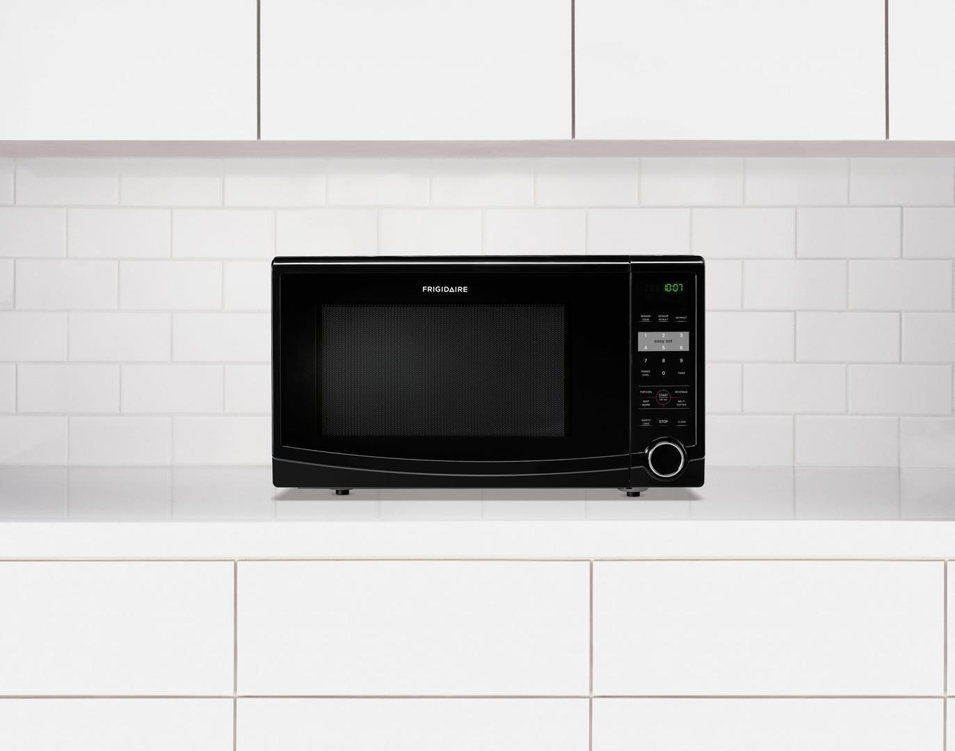 Frigidaire Ffcm1134lw 1 1 Cu Ft Countertop Microwave